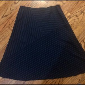 Adorable navy blue striped skirt size 8